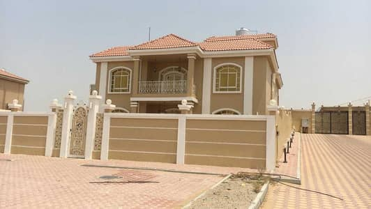 7 Bedroom Villa for Sale in Al Raqaib, Ajman - wonderful villa for sale in Al raqaib Ajman  excellent location with electricity and A C 6 rooms + 3 bedrooms suit