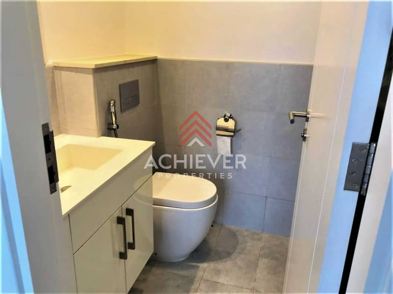 2 3BR TH + Maid's | New Listing | Tenanted (VOT)