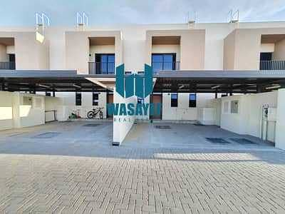 3 Bedroom Townhouse for Sale in Al Tai, Sharjah - Townhouse for sale in the heart of Sharjah without service charge