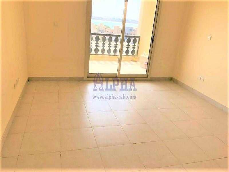 New listed ! Spacious unfurnished 1 bedroom apartment .