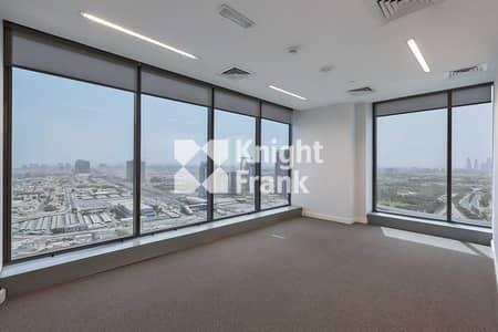 مکتب  للايجار في شارع الشيخ زايد، دبي - Beautiful Fit Out   Private Pantry   Full Floor