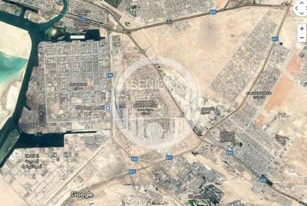 ارض سكنية  للبيع في مصفح، أبوظبي - Land with permit of up to 9 apartments!