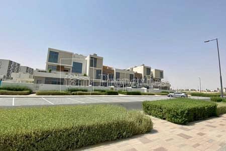 2 Bedroom Townhouse for Sale in Dubai South, Dubai - Single Row   Back on the Park   Duplex Unit