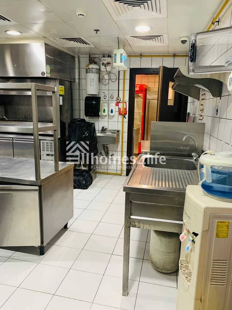 15 FULLY FITTED | KITCHEN EQUIPPED | DUBAI OUTLET MALL