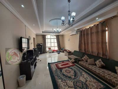 For rent villa in very good condition in Al-Rawda area, citizen electricity, next to all services