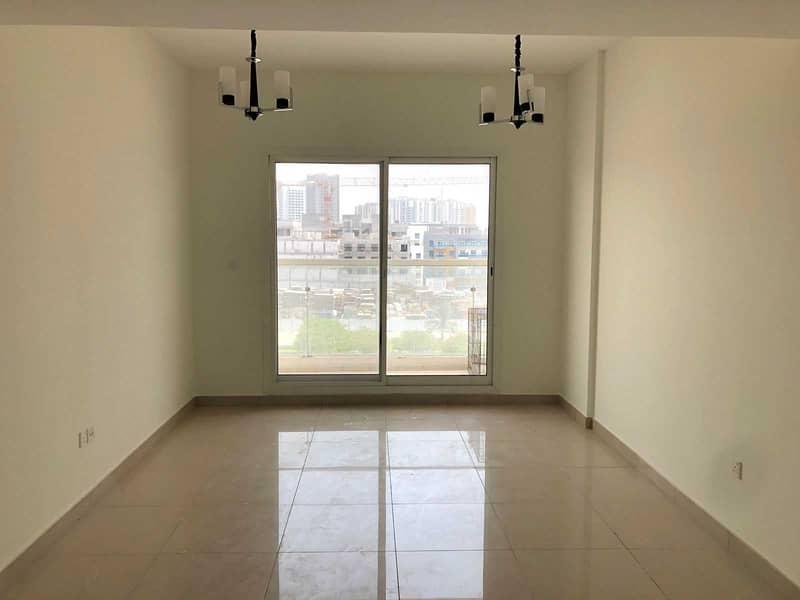 شقة في بناية رويال JVC قرية جميرا الدائرية 1 غرف 39999 درهم - 5363875