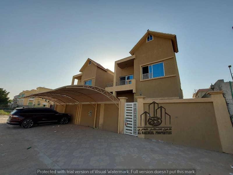 Villa for sale a dozen Arabic personal finishing second piece of a main street