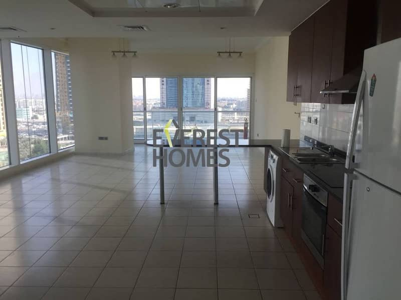 10 1 Bed with Full Lake View - 2 Balconies in Lake View Tower JLT