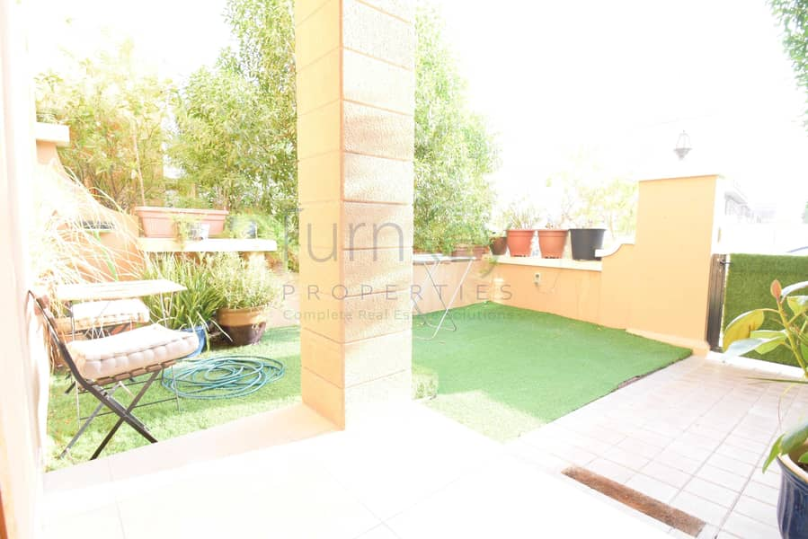 20 Ready to Move. 3Bed+Maids/ Basement/Terrace.