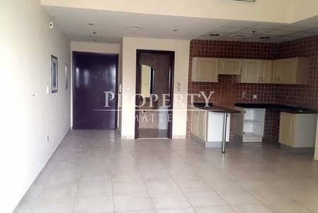 فلیٹ 2 غرفة نوم للايجار في مدينة دبي الرياضية، دبي - شقة في برج حمزة مدينة دبي الرياضية 2 غرف 45000 درهم - 5364995