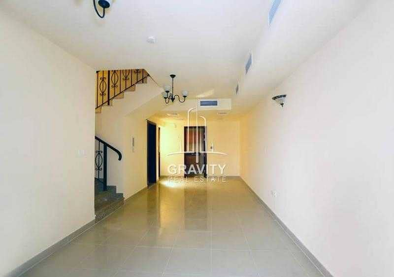2 Vacant 2 Bedroom Villa For Sale in Abu Dhabi