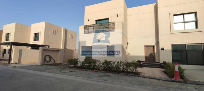 4 Bedroom Villa for Sale in Sharjah Sustainable City, Sharjah - Own your Large Villa - Easy Payment - Prime Location
