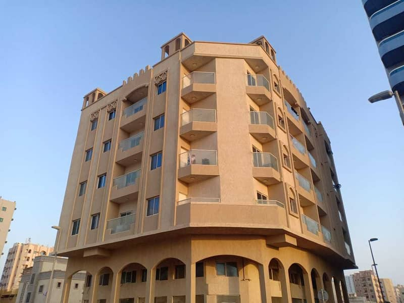Commercial residential building for sale, excellent location and profitable income