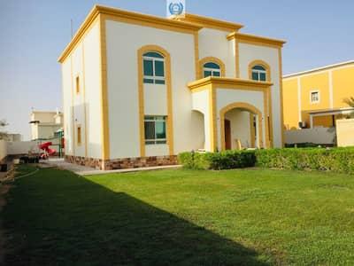 فیلا 5 غرف نوم للايجار في براشي، الشارقة - Elegant Five Bedroom Villa With Huge Garden