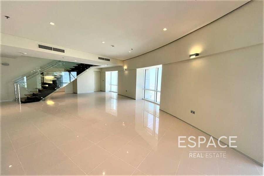 High Specs -  2 Bedrooms Duplex - Sea Views