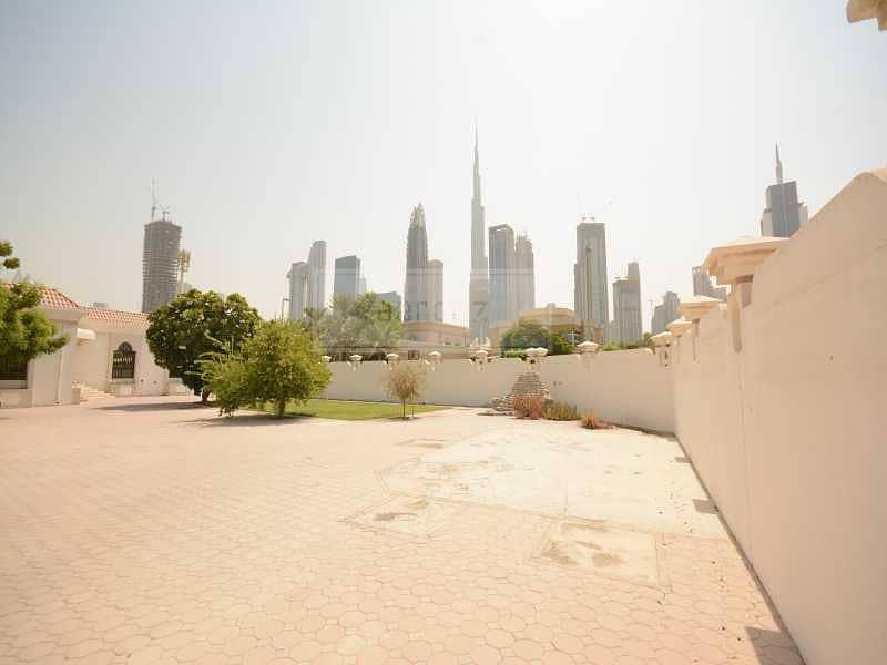 GCC Buyer Deal | Burj Khalifa View | Massive Plot