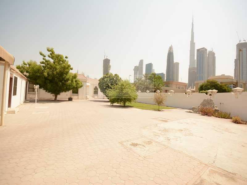 2 GCC Buyer Deal | Burj Khalifa View | Massive Plot