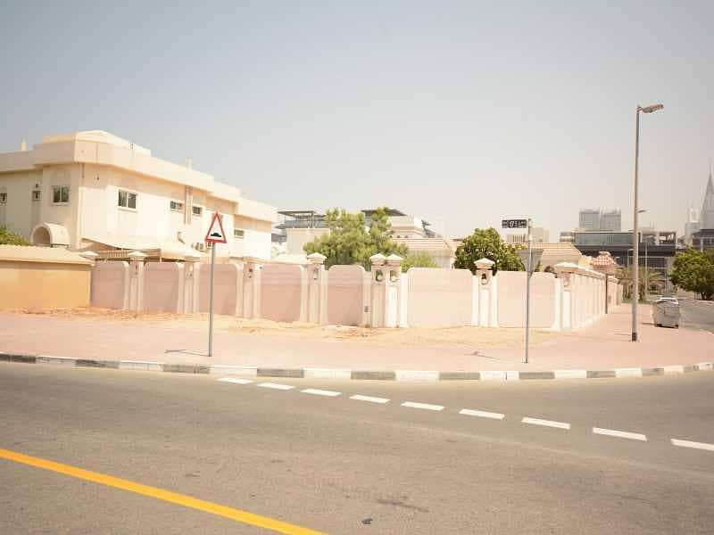 17 GCC Buyer Deal | Burj Khalifa View | Massive Plot