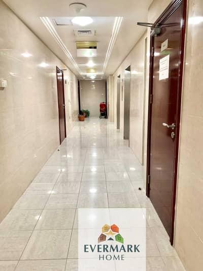 شقة 1 غرفة نوم للايجار في شارع السلام، أبوظبي - شقة في شارع السلام 1 غرف 44999 درهم - 5370288