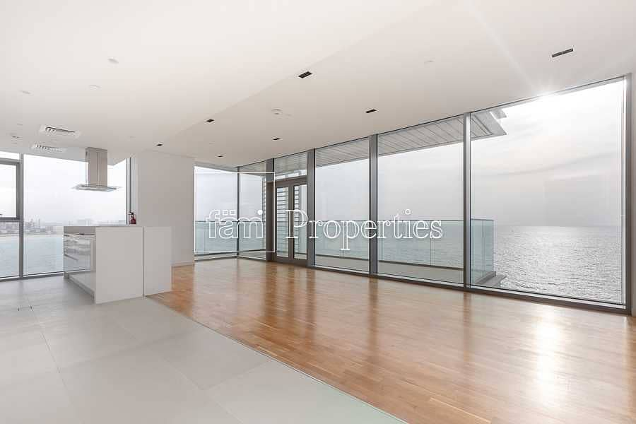 4BR Apartment with Full Panoramic Sea View