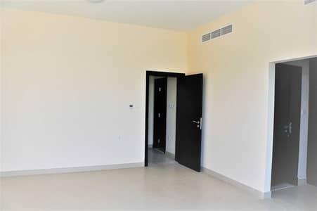 تاون هاوس 3 غرف نوم للايجار في المدينة العالمية، دبي - تاون هاوس في قرية ورسان المدينة العالمية 3 غرف 85000 درهم - 5370650