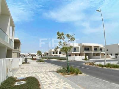 تاون هاوس 3 غرف نوم للايجار في جزيرة ياس، أبوظبي - Call us   Extraordinary Single Row Villa