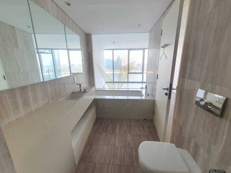 11 Vacant 1st Sept.   Creek View   Stunning 1BR