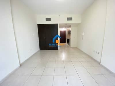 Studio for Rent in Dubai Sports City, Dubai - Well Maintained Unfurnished Studio Apartment