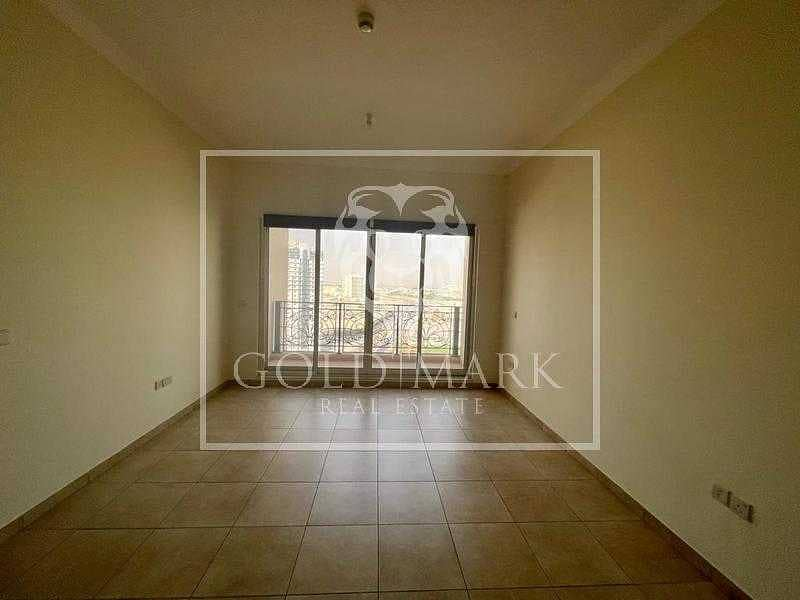 2 High Floor | Well Maintained | Available Now