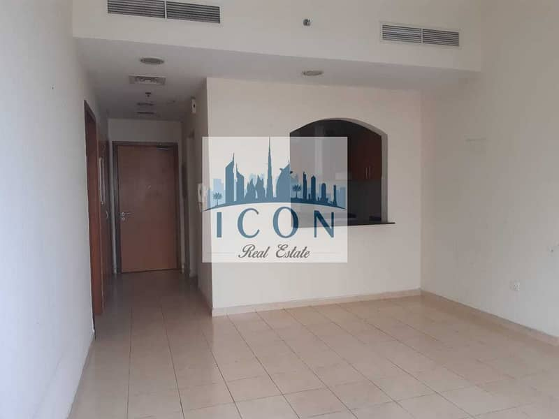 Amazing 1bed with 2balcony   Mid floor   Road View