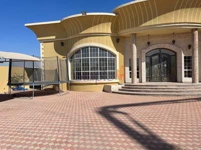 فیلا 3 غرف نوم للبيع في الورقاء، دبي - 3 B/R Villa With an Extension Room Outside Located in Al Warqaa