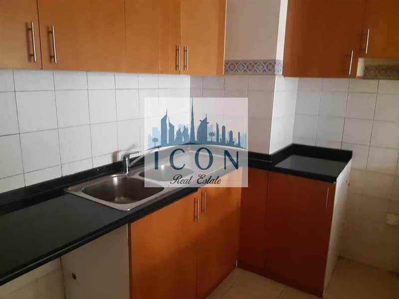 11 Amazing 1bed with 2balcony   Mid floor   Road View
