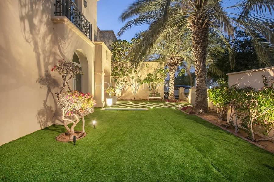 44 Al Mahra| Fully Upgraded Villa|Opposite Pool 5 Bed