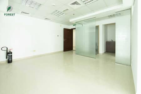 مکتب  للايجار في أبراج بحيرات الجميرا، دبي - Fitted Space   Spacious Unit   Prime Location