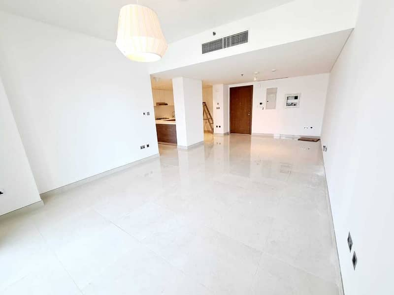 2 Stunning Sea View/Vacant/ High End Finishing
