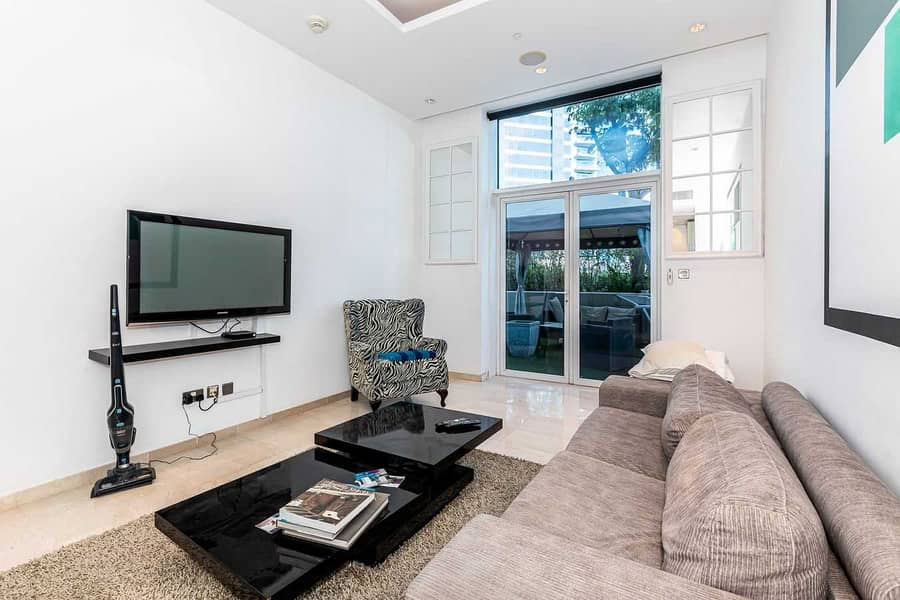 Huge Terrace   Well-managed and Furnished