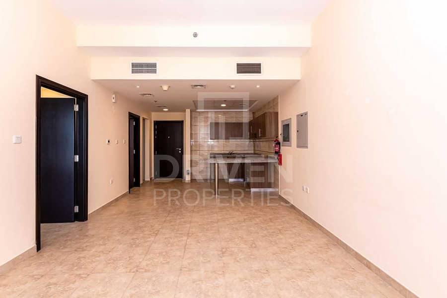 High Floor and Well-kept w/ Amazing View