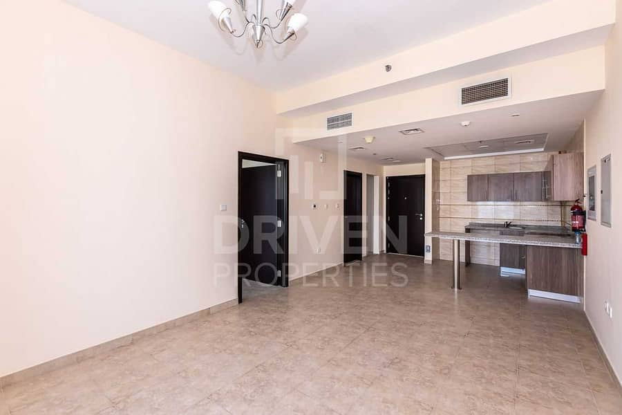 2 High Floor and Well-kept w/ Amazing View