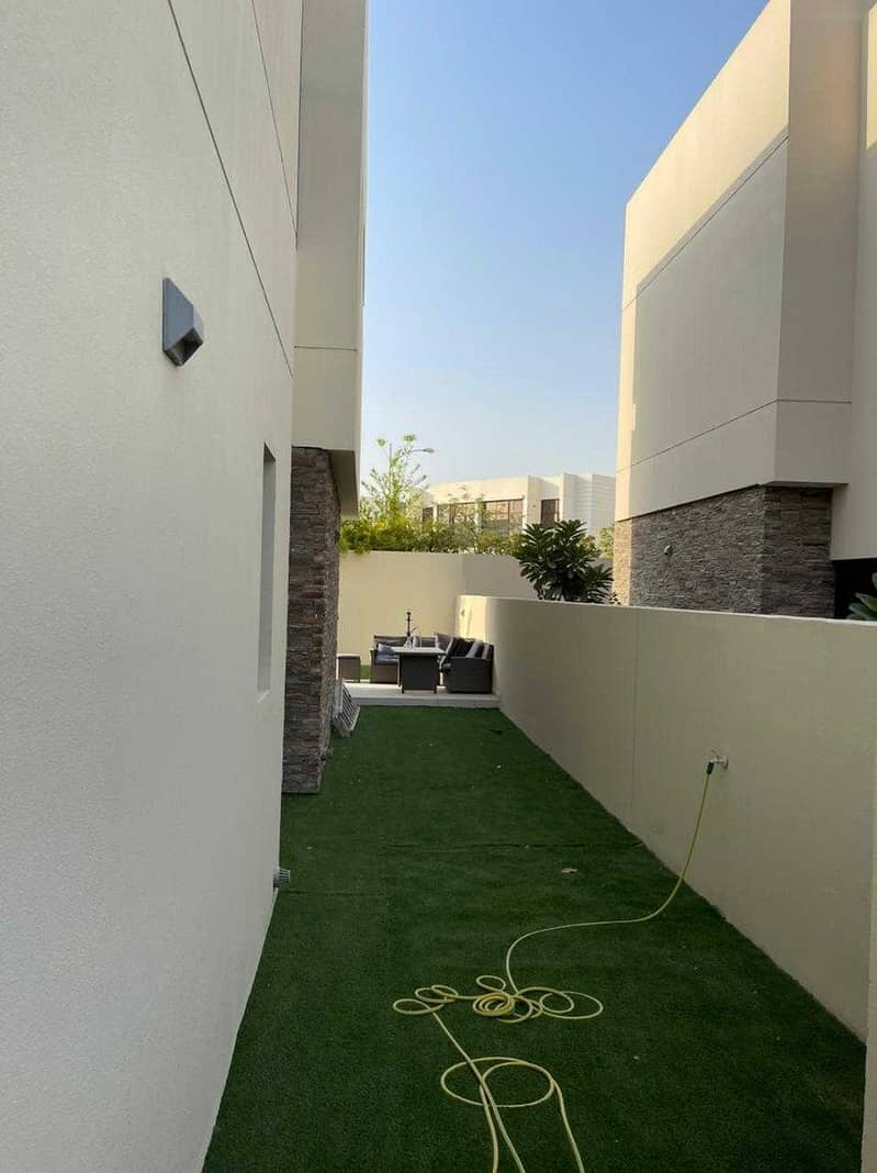 3 PICADILLY GREEN  FIVE BEDS + MAIDS  FURNISHED    VACANT