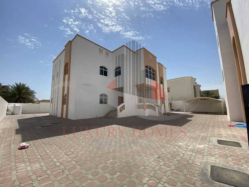 6 Master Bedrooms Villa for Rent Located Near Towaya Park