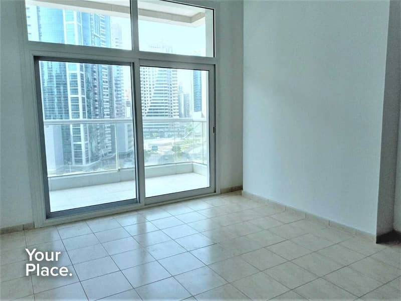 Huge Layout   Closed Kitchen   Spacious Balcony