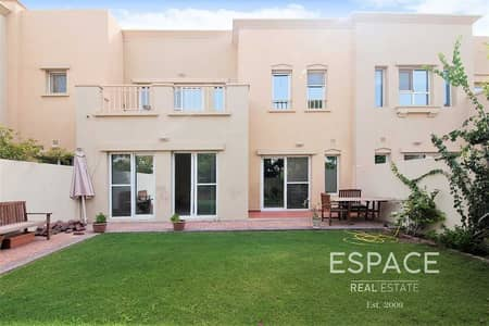 3 Bedroom Villa for Sale in The Lakes, Dubai - Great Condition | C Middle |  Single row
