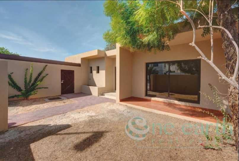 3 Bed Single Storey Villa in Jumeirah 3   Vacant