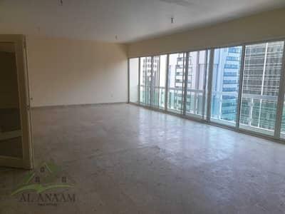 فلیٹ 4 غرف نوم للايجار في الخالدية، أبوظبي - Perfect for the family! 4BR+Maid with Balcony | City View!