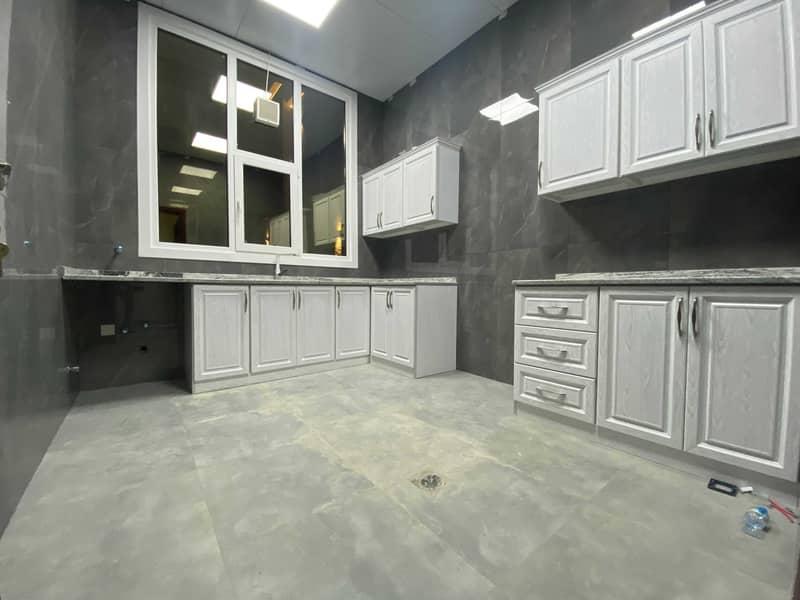 شقة في المنطقة 5 مدينة محمد بن زايد 2 غرف 70000 درهم - 5375642