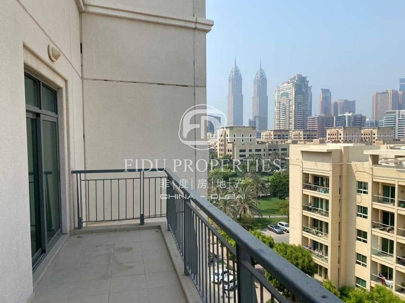 2 Unfurnished   Perfectly maintained   Top floor