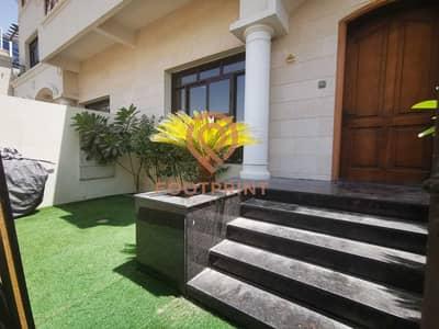 فیلا 4 غرف نوم للبيع في قرية جميرا الدائرية، دبي - Spacious 4 B/R  Villa | Pvt Garden | Pvt Elevator | G+2|VACANT
