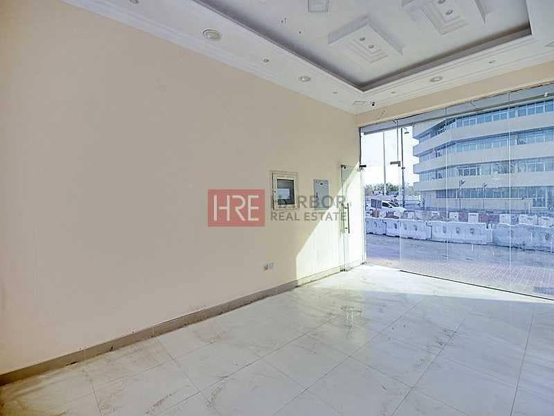 2 Road-Facing   Ideal Location   5% Off On 1 Cheque