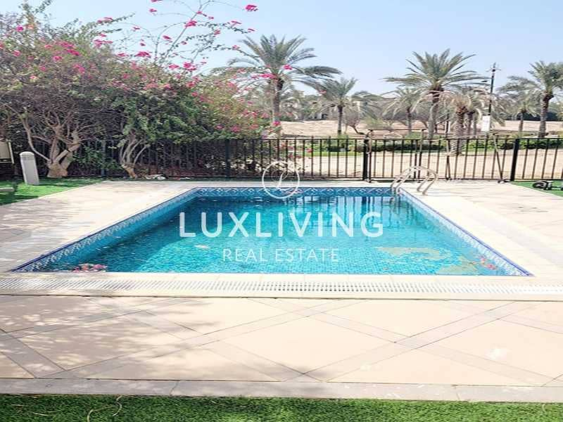 2 Luxurious 4 Bed | Sky View | Private Pool