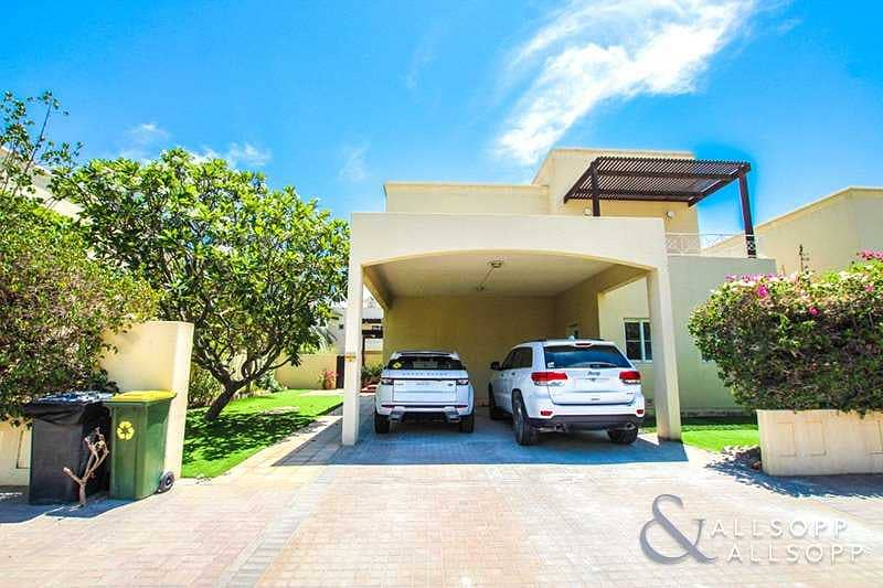 15 Great Location   4 Beds   Close To Pool